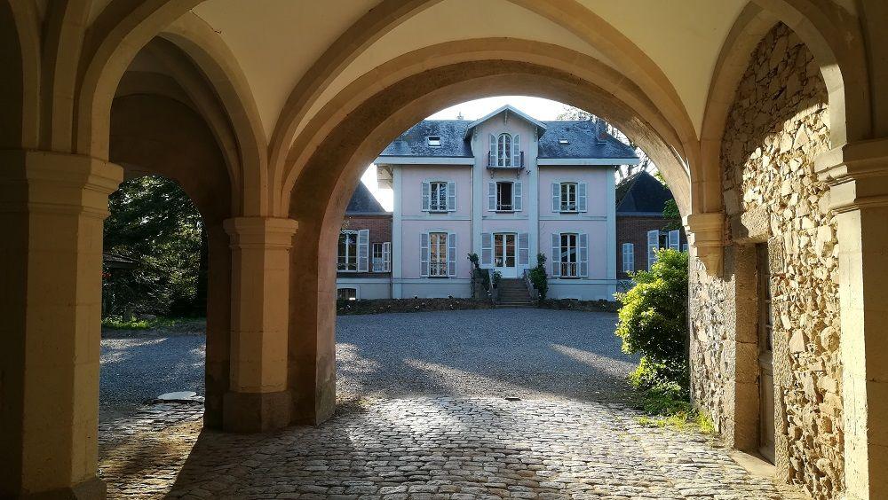 Château La Tour Landry Entrée - Cour d'honneur - Château