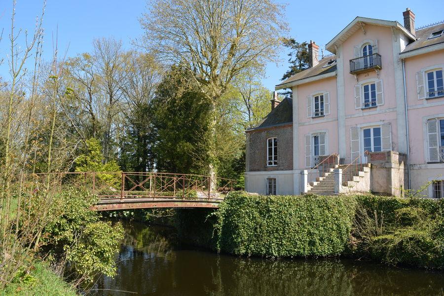 Château La Tour Landry Château - Vue arrière - Perron