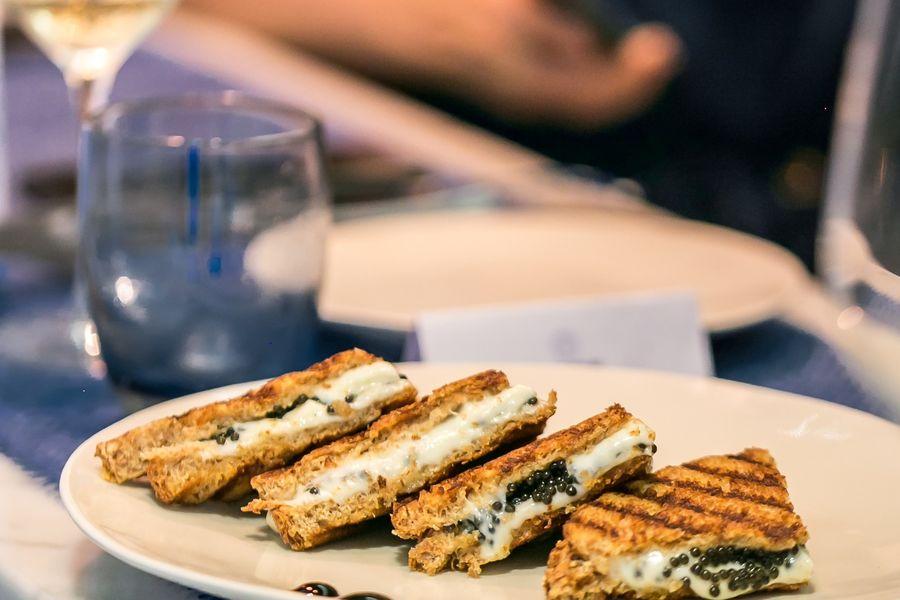 Le Comptoir du Caviar Croc-caviar