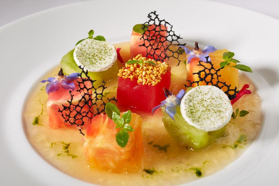 Restaurant Laurent Fraîcheur de tomates perlées à l'huile basilic
