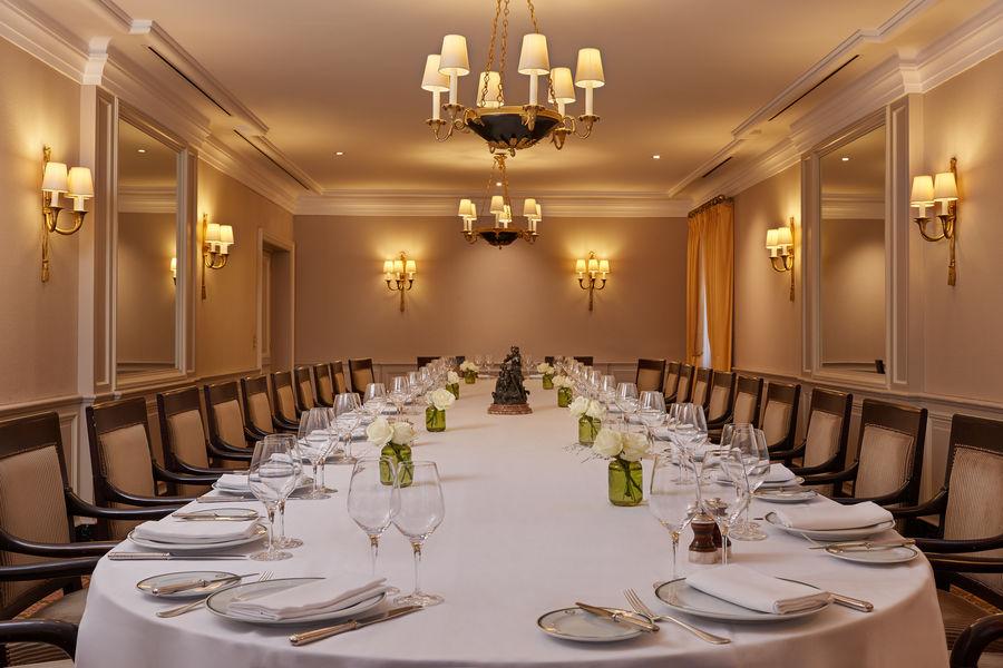 Restaurant Laurent Salon Impérial table unique 40 personnes