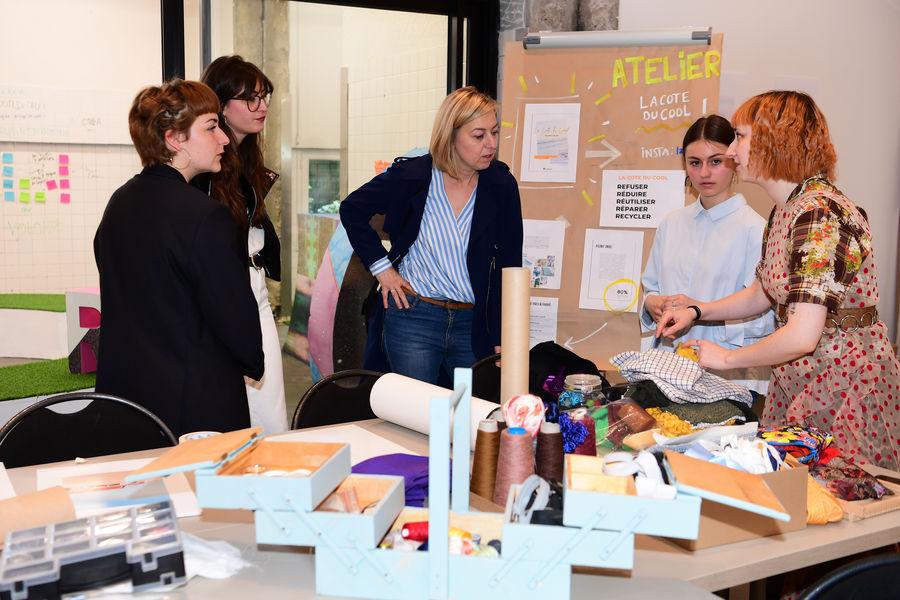 The Sun Project TEAMBUILDNG recyclage de vêtements avec Stylistes