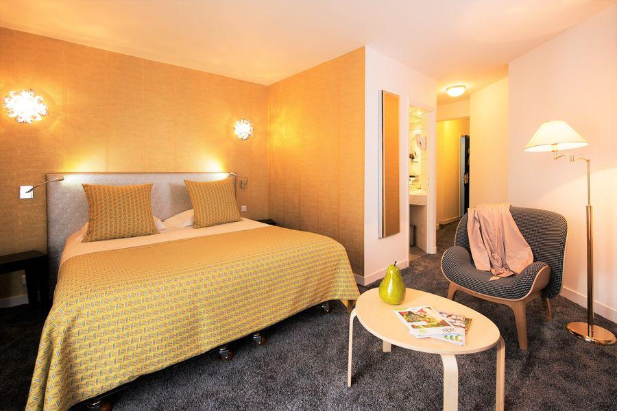 Hotel The Originals Le Manoir du Lys Manoir du Lys Chambre