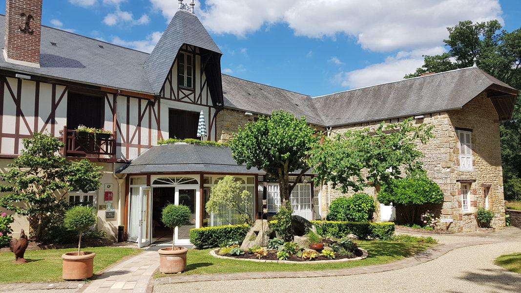 Hotel The Originals Le Manoir du Lys Le Manoir du Lys