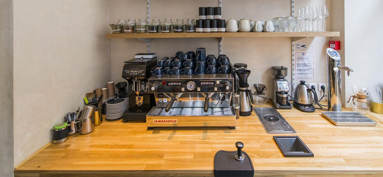 Papilles Coffeehouse Bar