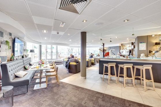 Gourmer Bar / Restaurant