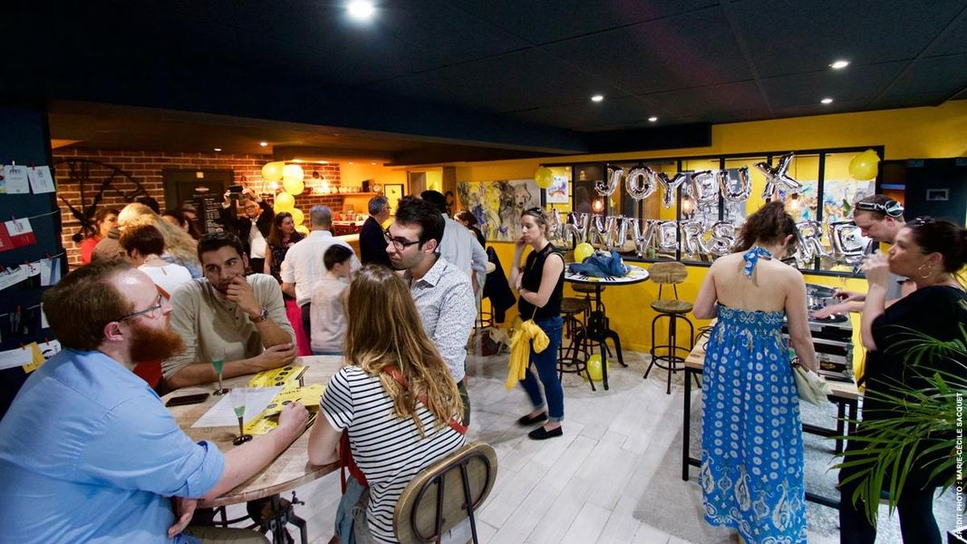 L'Usine Café & Coworking 24