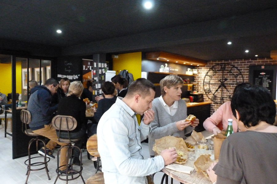L'Usine Café & Coworking 23