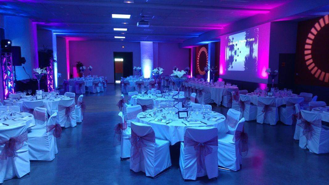 Château de Sans Souci Salle Maestro  avec piste de danse en parquet pour une soirée animée