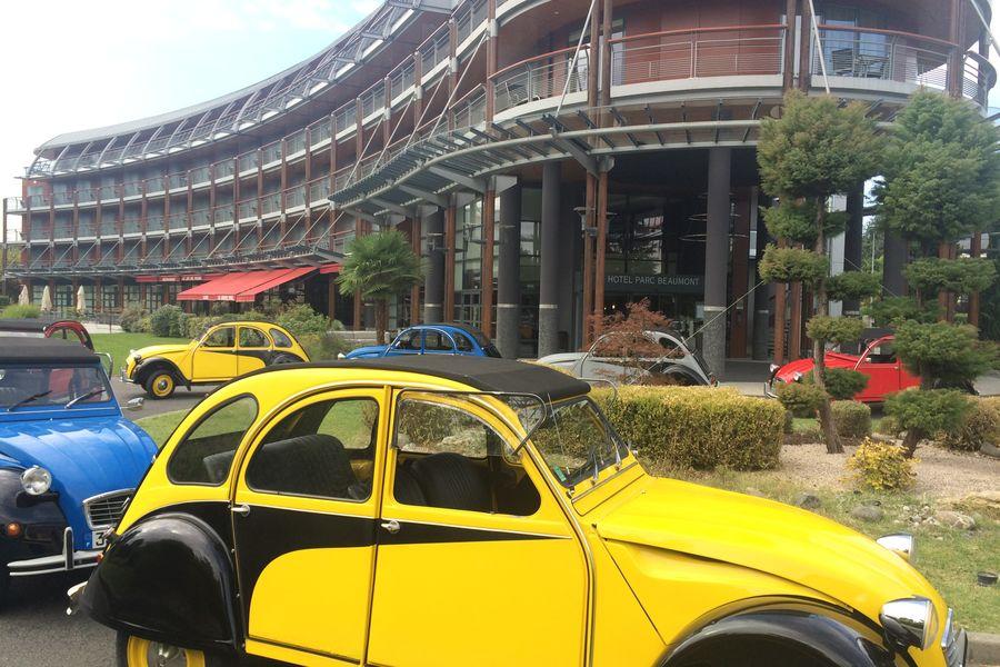 Parc Beaumont MGallery ***** Rallye 2 CV au départ de l'hôtel
