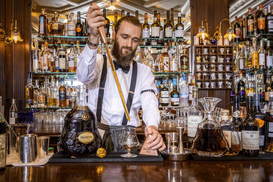 Le Gallopin Notre Barman