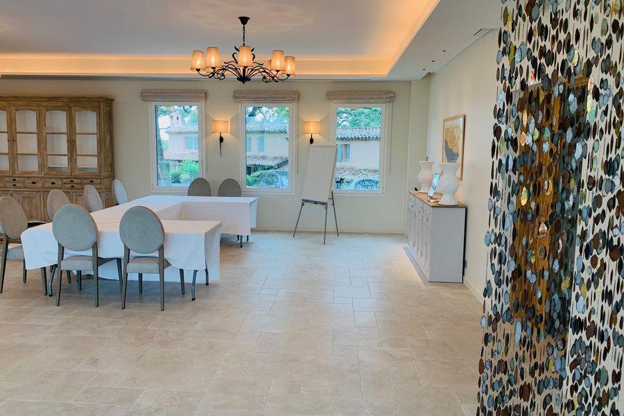 Hotel Spa & Restaurant Cantemerle **** salle orangeraie 2 bastide