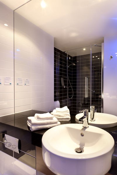 Holiday Inn Express Strasbourg Sud*** Sale de bain