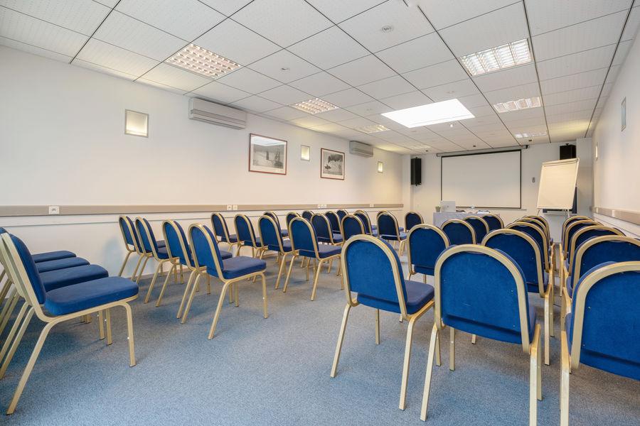Hôtel Kyriad Vannes Centre-Ville ***  Houat - Salle de réunion en théatre à Vannes
