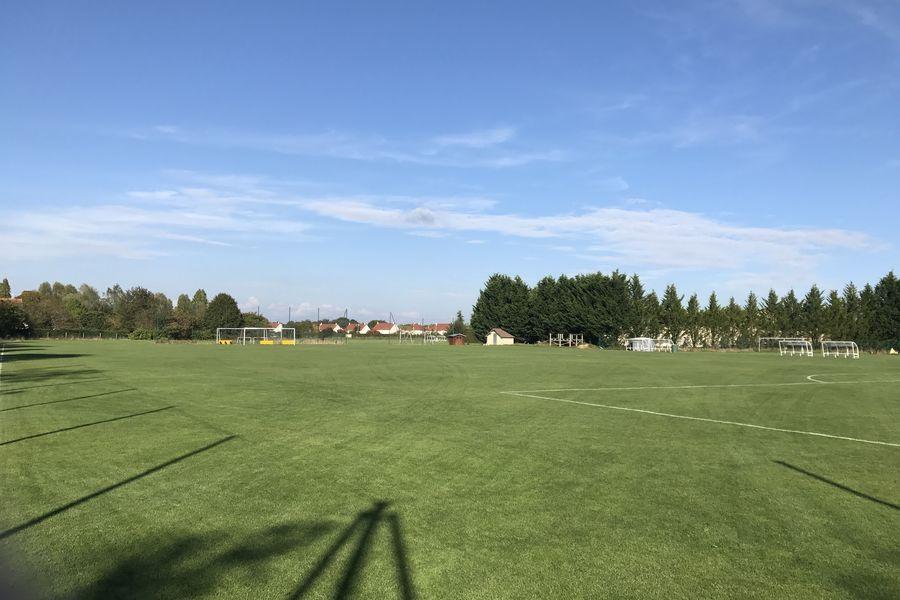Hôtel Léonard de Vinci *** Grand terrain de football