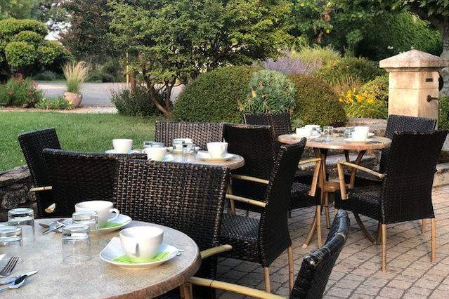 Domaine de Valsoyo Petit-déjeuner extérieur
