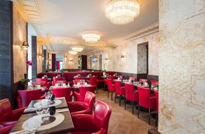 LA BELLE POULE Salle Restaurant