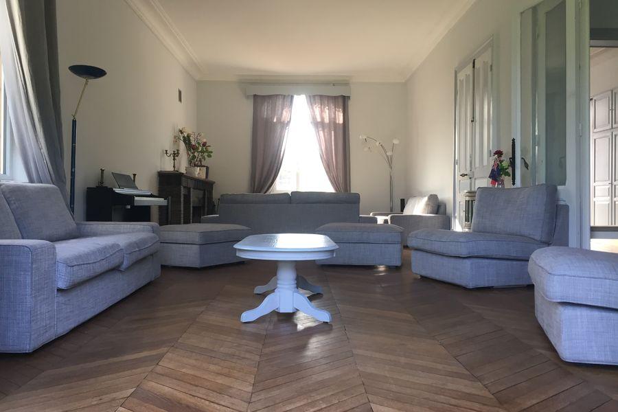 Domaine du Gîte Les Racines Le salon de La Maison
