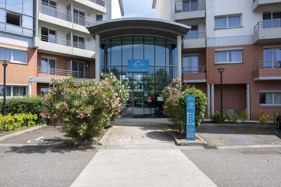 Zenitude Hôtel & Résidences Le Parc de l'Escale **** Façade