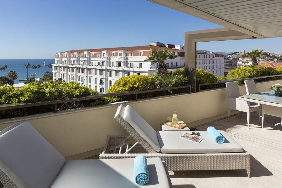 Hôtel Barrière Le Gray d'Albion Cannes  Suite