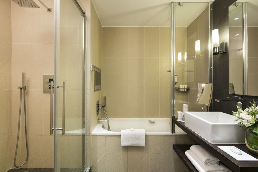 Hôtel Barrière Le Gray d'Albion Cannes  Salle de bain