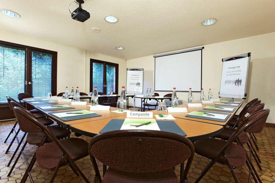 Campanile Evreux*** salle de réunion