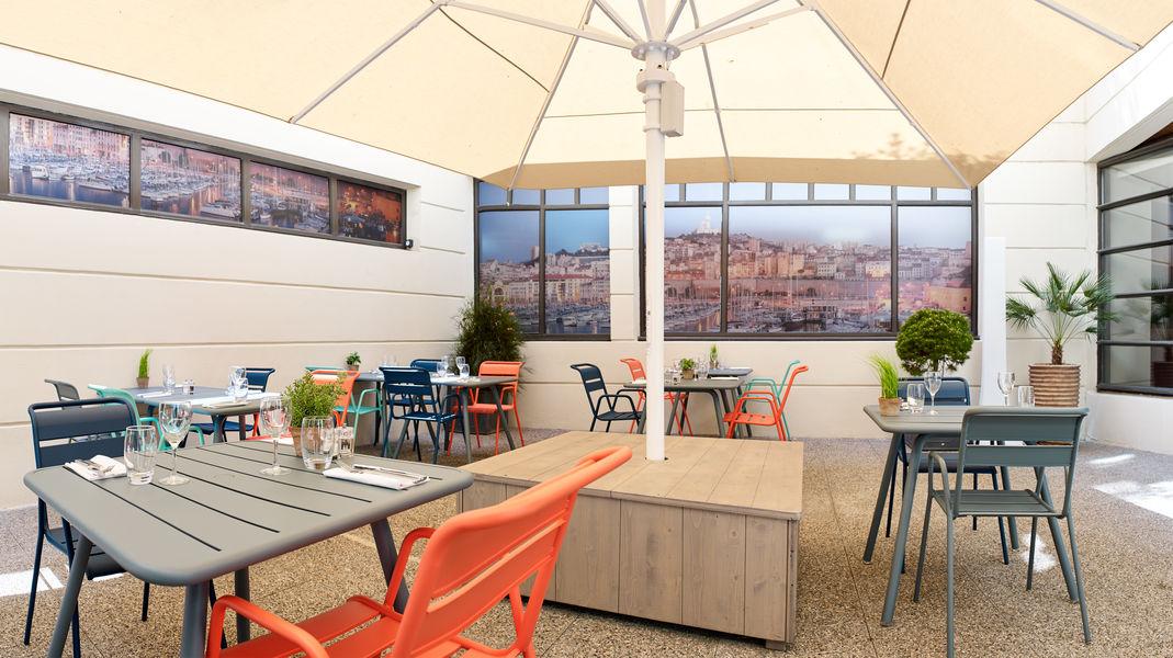 Radisson Blu Hôtel Marseille Vieux Port **** Patio du restaurant