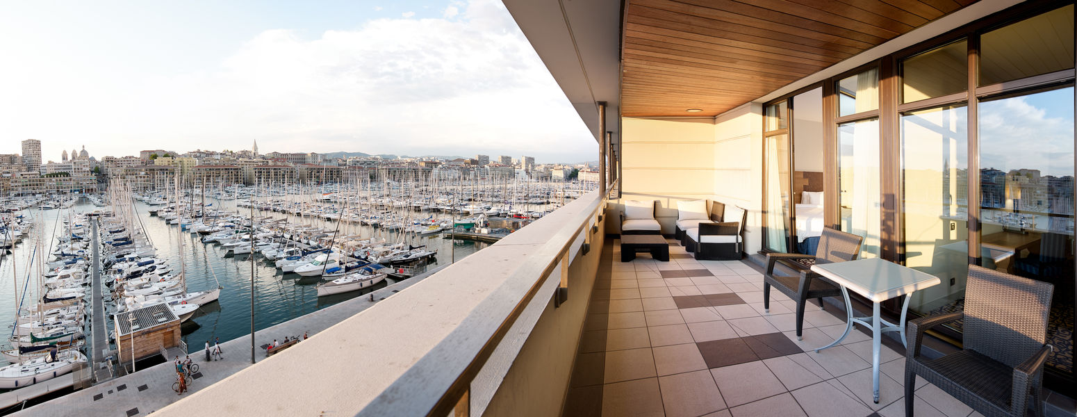 Radisson Blu Hôtel Marseille Vieux Port **** Terrasse Suite vue Vieux-Port