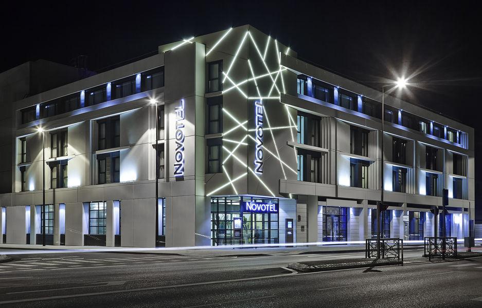 Novotel Avignon Centre **** Façade nuit