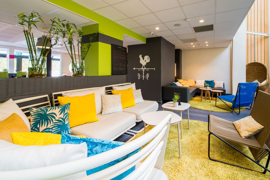 Ibis Styles Toulouse Labege *** Patio
