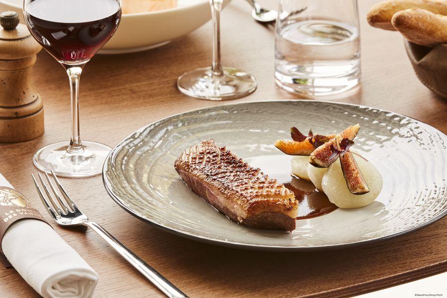 Le Domaine des Vanneaux Hôtel Golf & Spa MGallery Plat restaurant Le Piaf