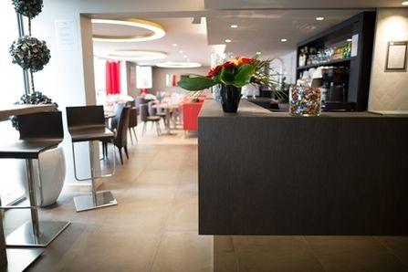 Brit Hotel Le Kerodet Réception/Bar