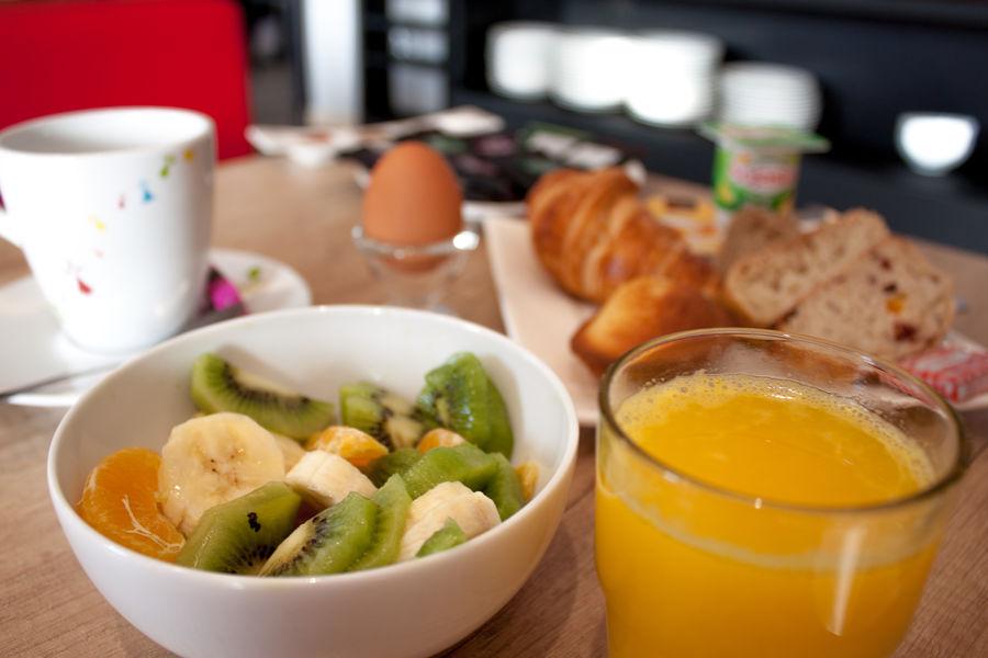Brit Hotel Le Kerodet Petit déjeuner