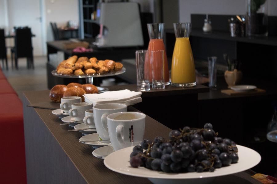 Brit Hotel Le Kerodet Pause café/viennoiseries