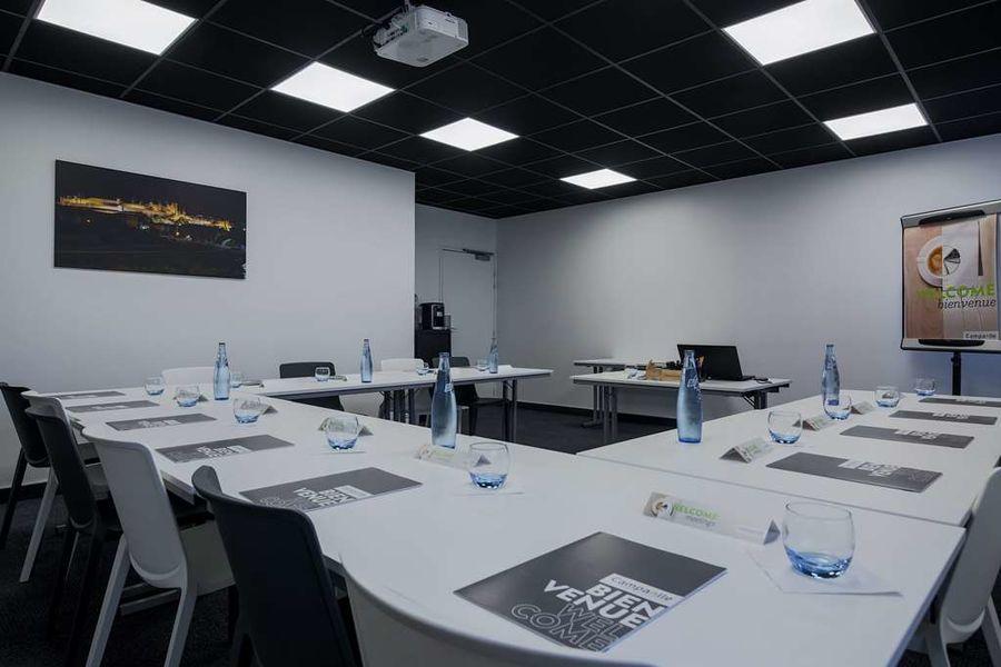 Campanile Carcassonne Est La Cité Salle de réunion