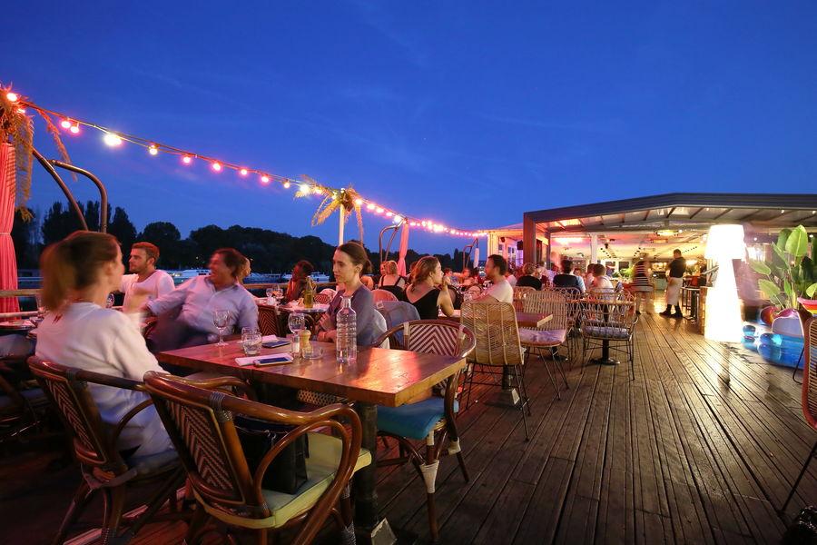Aqua Restaurant Aqua Restaurant de nuit