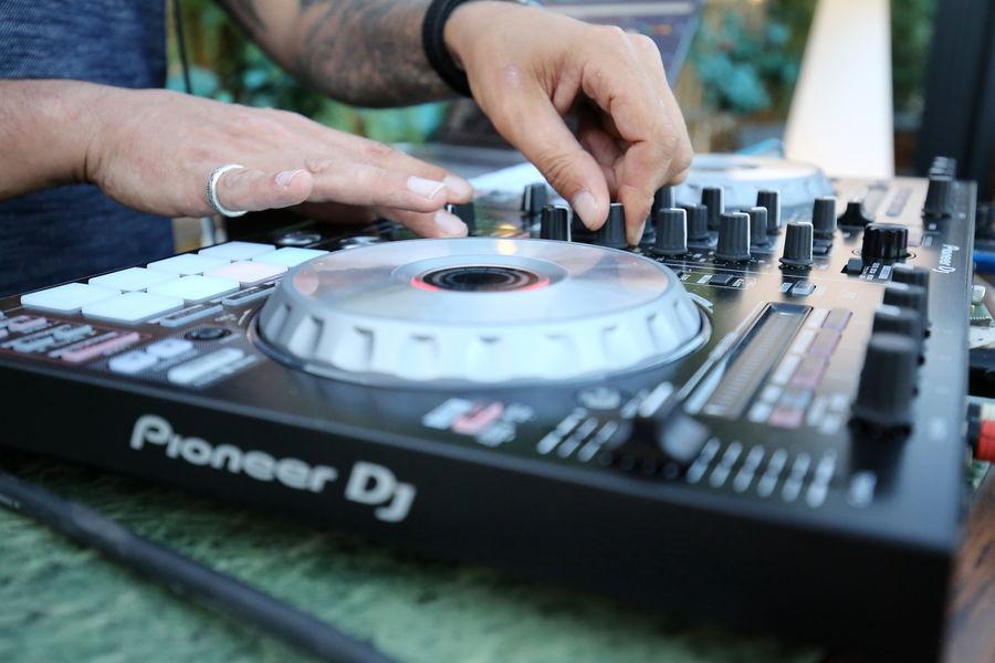 Aqua Restaurant DJ