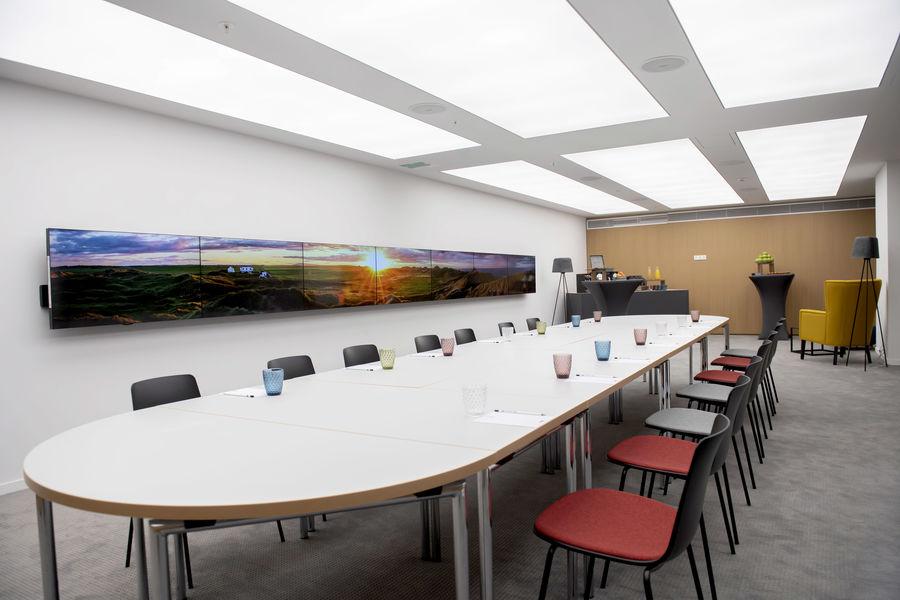 Kluster Business Center 32