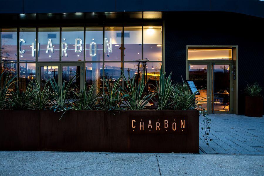 Mercure Paris Gennevilliers Entrée du restaurant Le Charbon