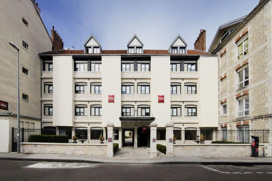 Ibis Besançon Centre Ville facade hotel