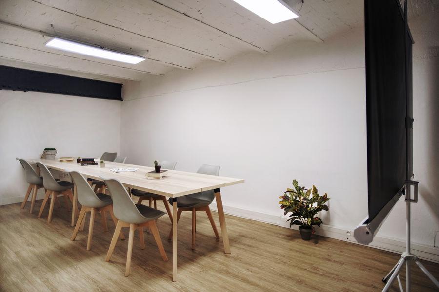 Bureaux & Co La Station Salle de réunion