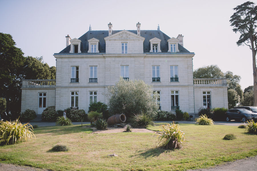 Château de la Gressière*** Château de face