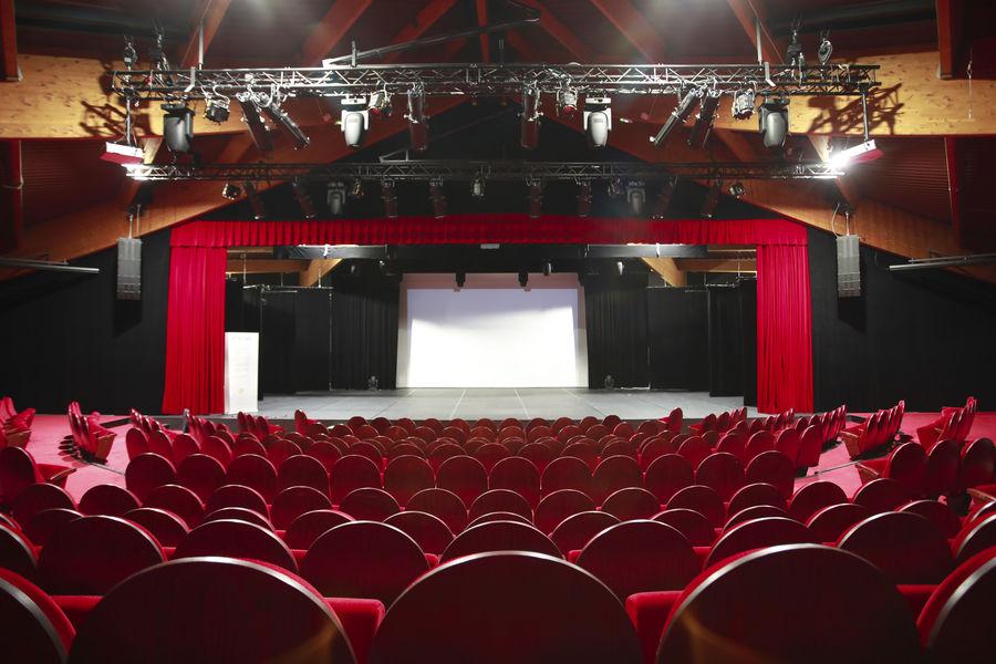 Jardin d'Acclimatation Le théâtre Rouge