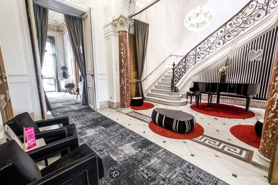 C2 Hôtel ***** Patio