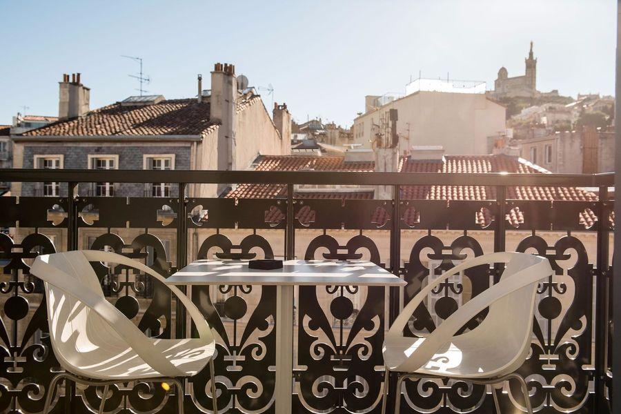C2 Hôtel ***** Balcon