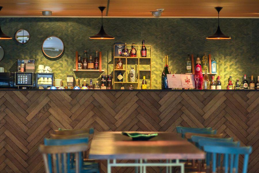 Le Café des Champs Libres le bar du café