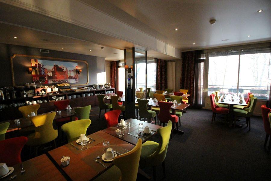 Splendid Hôtel *** Annecy Salle de petit déjeuner