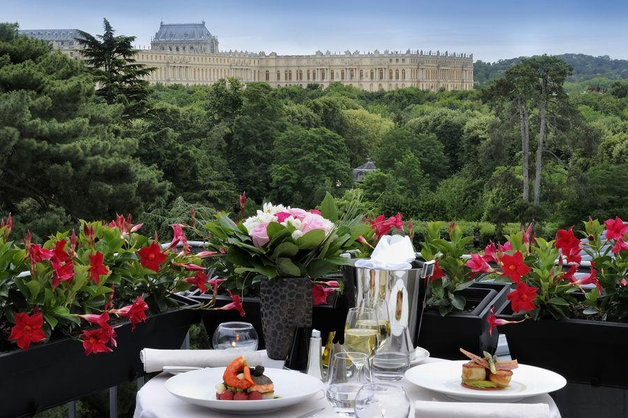 Waldorf Astoria Versailles - Trianon Palace  ***** Vue de la suite terrasse