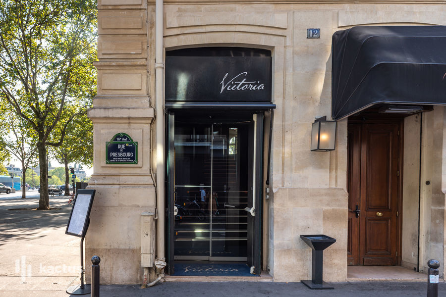 Victoria Paris 12