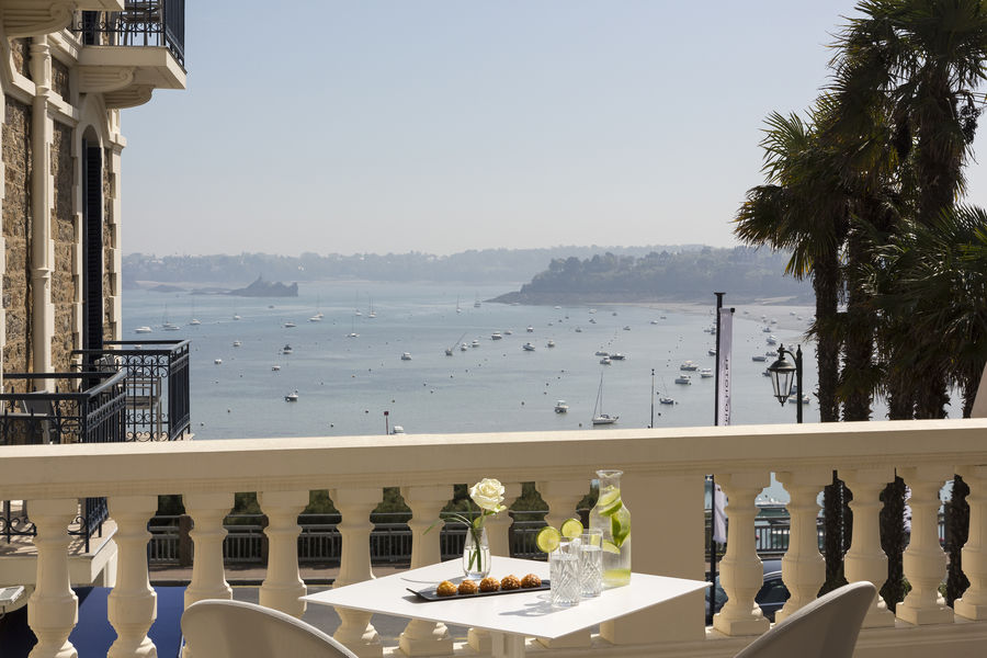 Hôtel Barrière Le Grand Hôtel Dinard ***** Terrasse avec vue mer